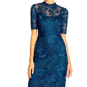 Cord lace dress with slit